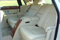 new-york-city-nyc-vip-luxury-rolls-royce-sedan-car-chauffeured-rental-hire-with-driver-chauffeur-interior-view
